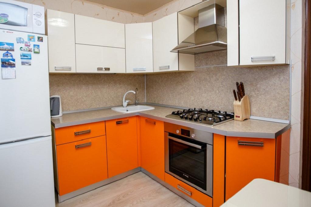 Угловые кухни 1300х2300 кухня под заказ панельный